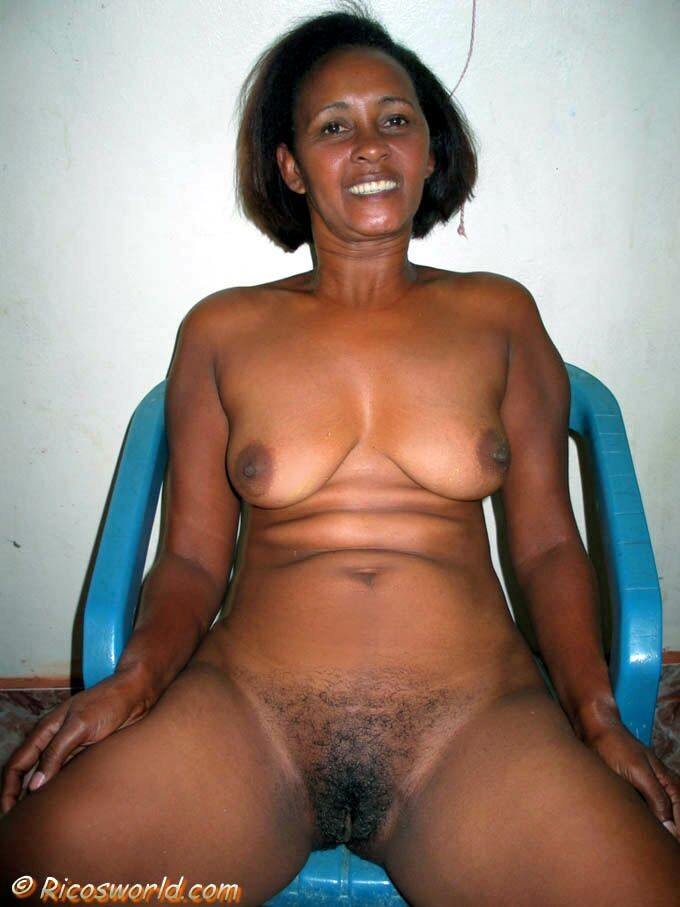 Hairy mature alle