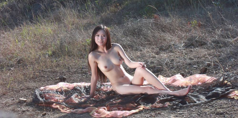 Nude women pics galleries