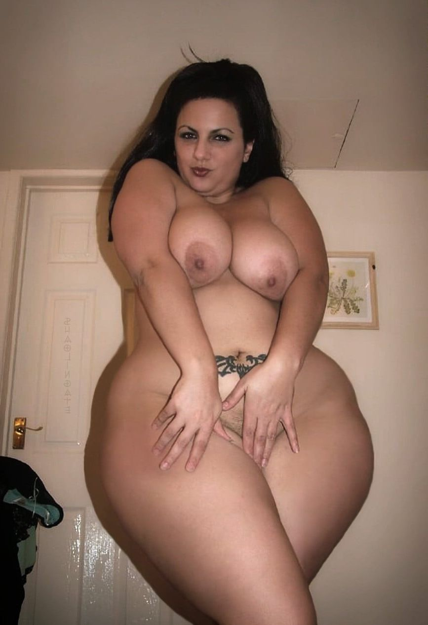 Sexy thick curvy busty mature women nude
