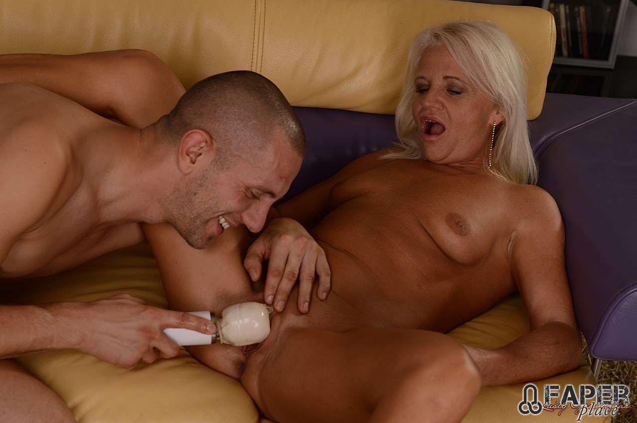 Mature women shaved pussies