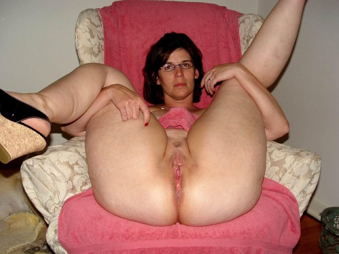 Bisexual orgy girls