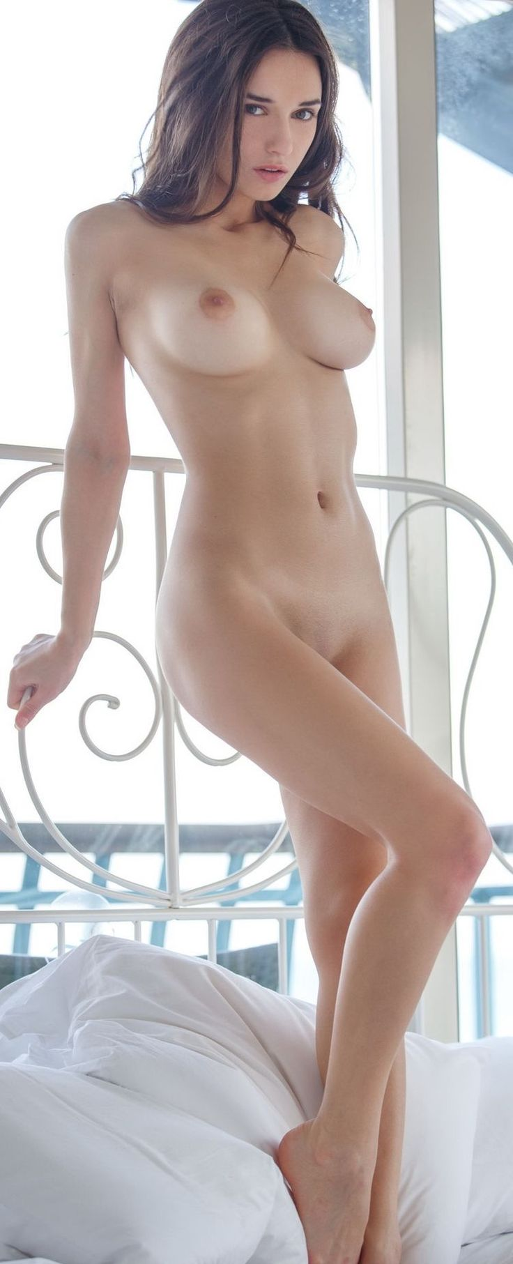 Naked nude beauty